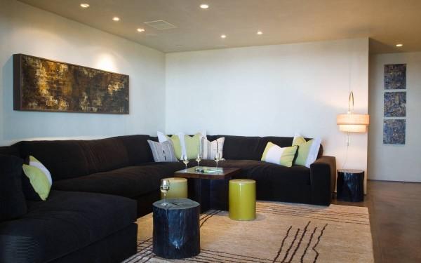 11-Black-sofa-600x375
