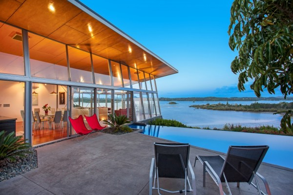 Scarlet Living Pvt Ltd An Amazingly Beautiful Modern Waterfront - An amazingly beautiful modern waterfront house from new zealand