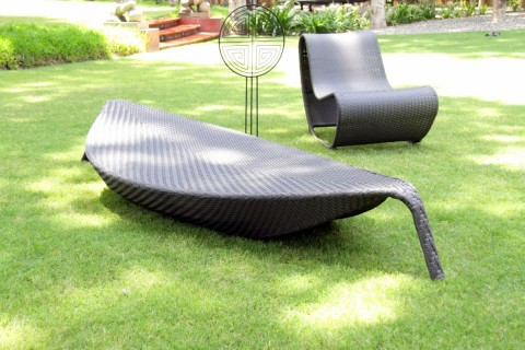 SUMMER LOUNGE CHAIR
