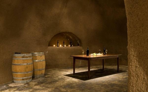33-Home-wine-cellar-600x375